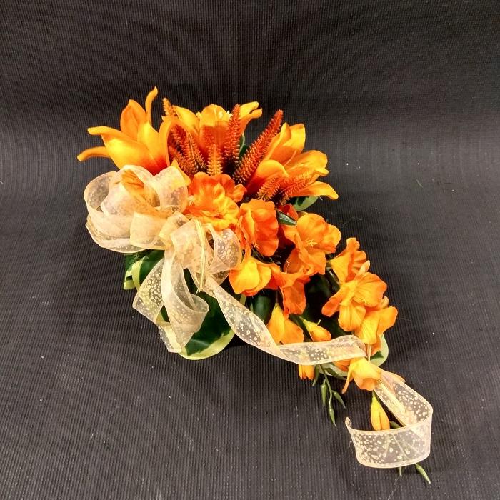 stroik pomarańczowe kwiaty