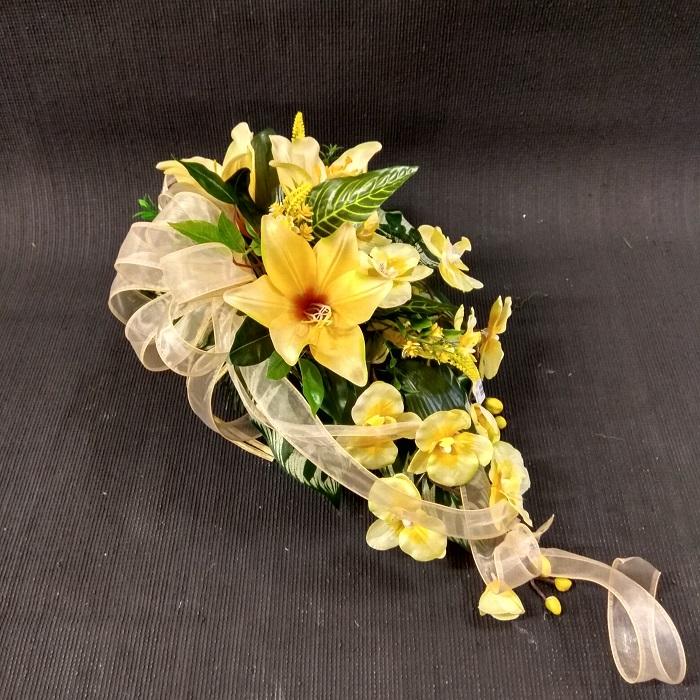 stroik żółte kwiaty