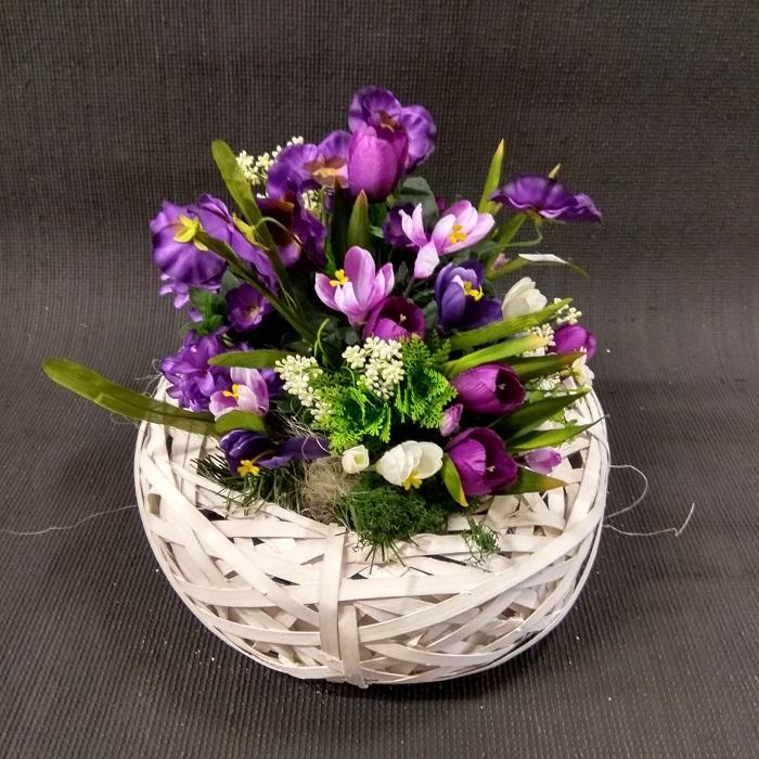 kompozycja z kwiatów fiolet